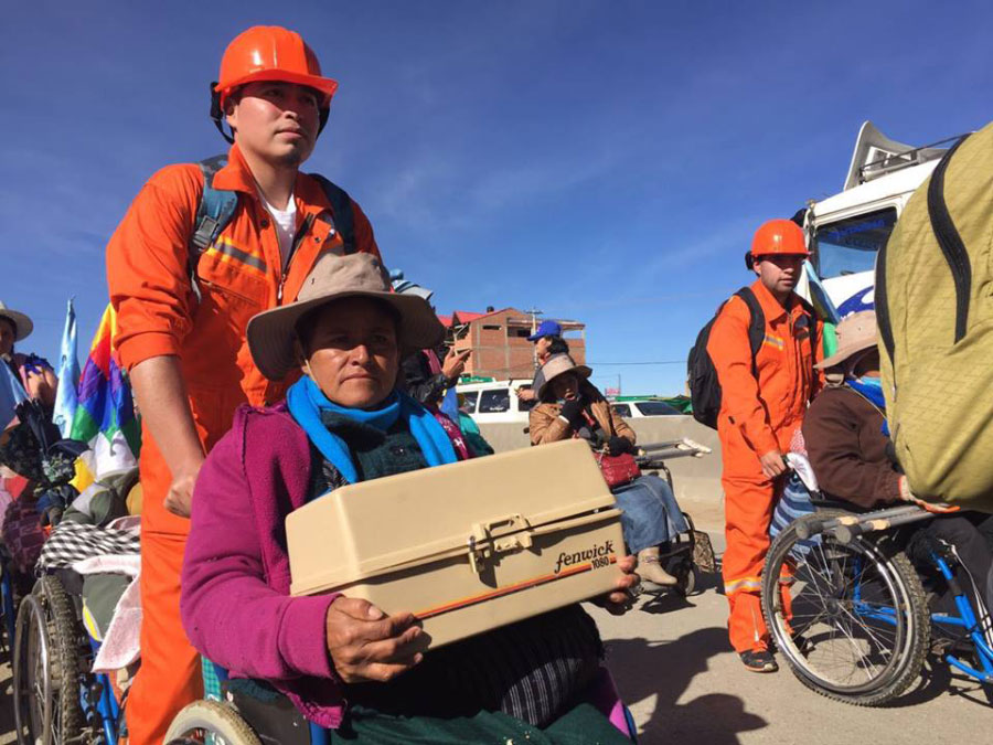 Grupo RESCATE UNIFRANZ de la sede La Paz apoyaron la marcha de personas con discapacidad