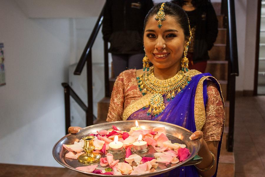 Muestra Cultural Unifranz 2017. País invitado: India.