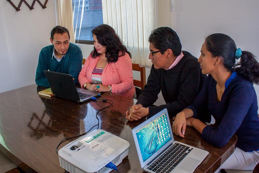 Experta Macmillan capacita plantel docente del Centro de Idiomas Unifranz
