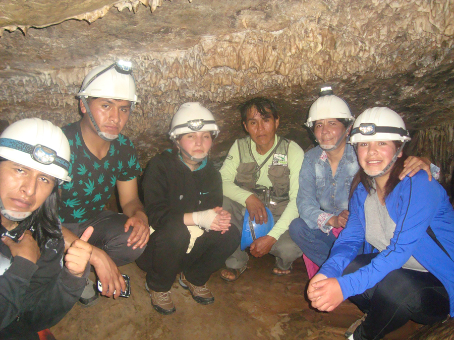 Visita a la Caverna de Umajalanta