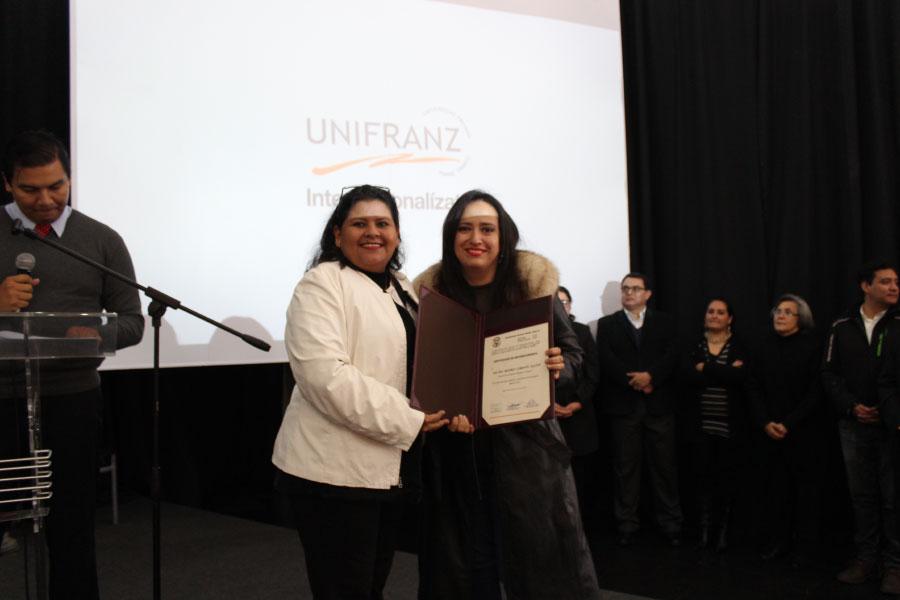 Agasajo por el día del Maestro y reconocimiento a los mejores docentes y estudiantes en Unifranz Santa Cruz