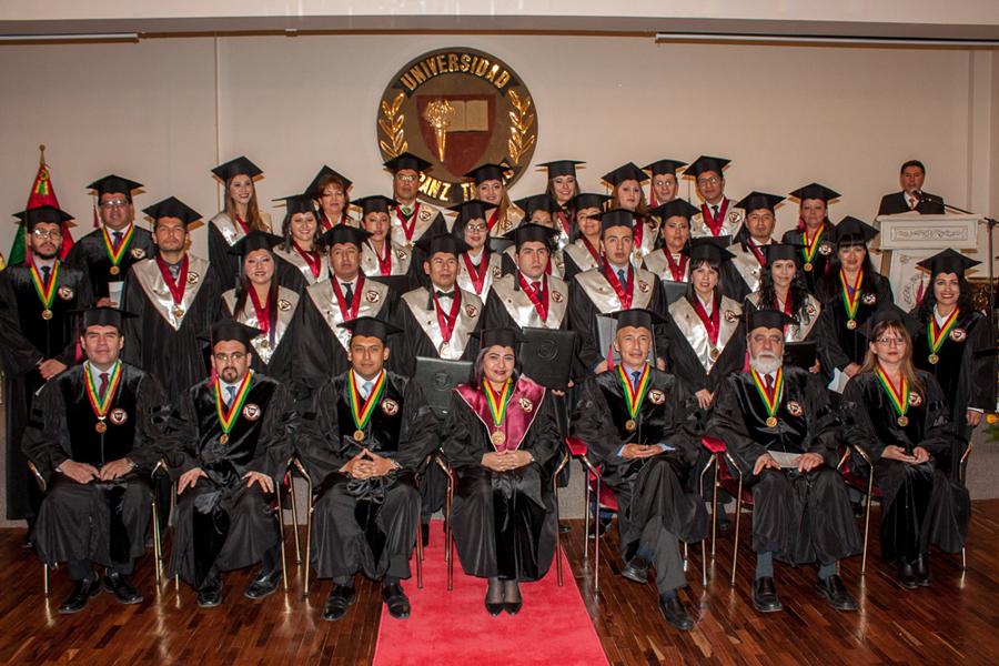 Cuadragésima Cuarta Promoción de Profesionales se Gradúa en Magna Ceremonia