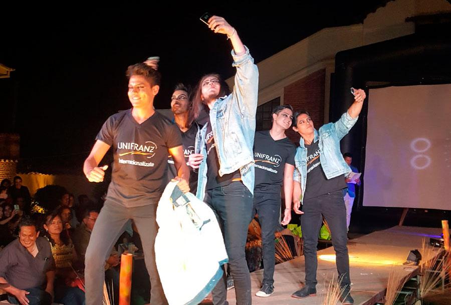 UNIFRANZ apoya a artistas emergentes de Cochabamba